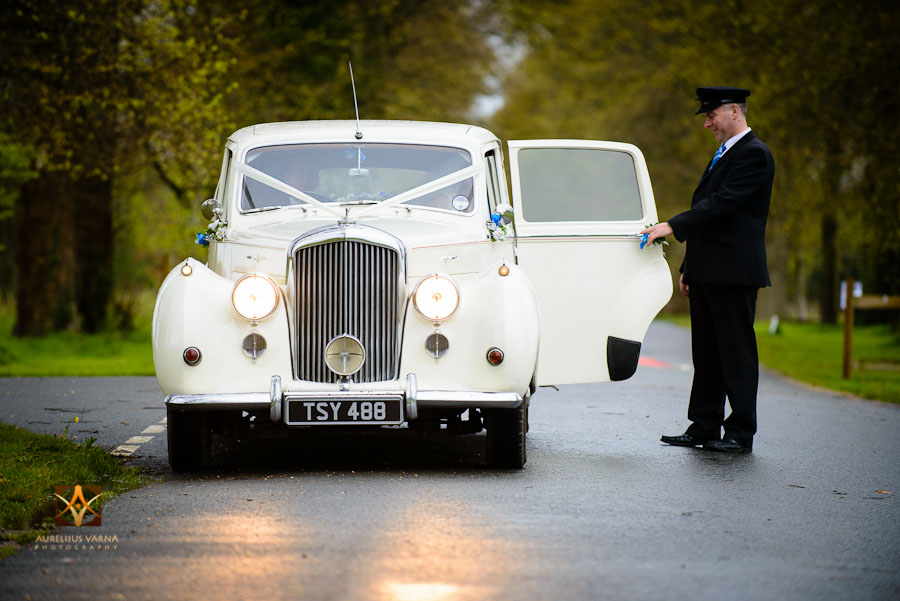 wedding photography at Rothampstead Manor spring wedding (17)