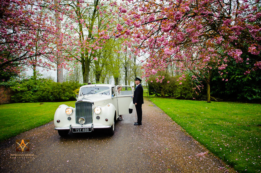 wedding photography at Rothampstead Manor spring wedding (19)