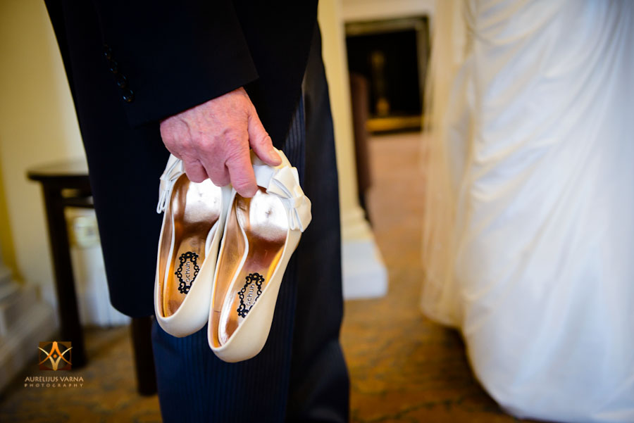 wedding photography at Rothampstead Manor spring wedding (2)