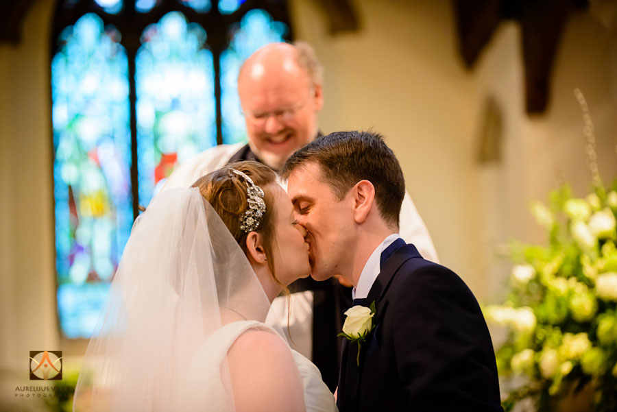 wedding photography at Rothampstead Manor spring wedding (7)