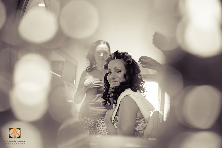 wedding photographer at Notley Thyne Barn (6)