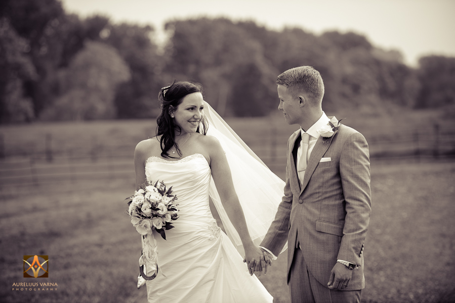 wedding photographer at Notley Thyne Barn (46)