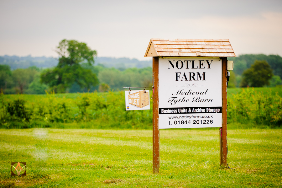 wedding photographer at Notley Thyne Barn (8)