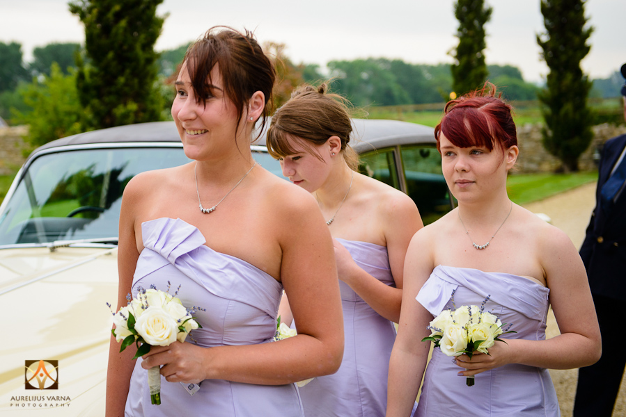 wedding photographer at Notley Thyne Barn (10)