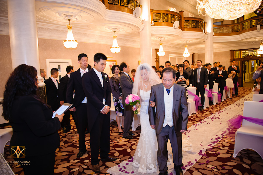 st ermin's hotel wedding photographer for chinese wedding in london (30)