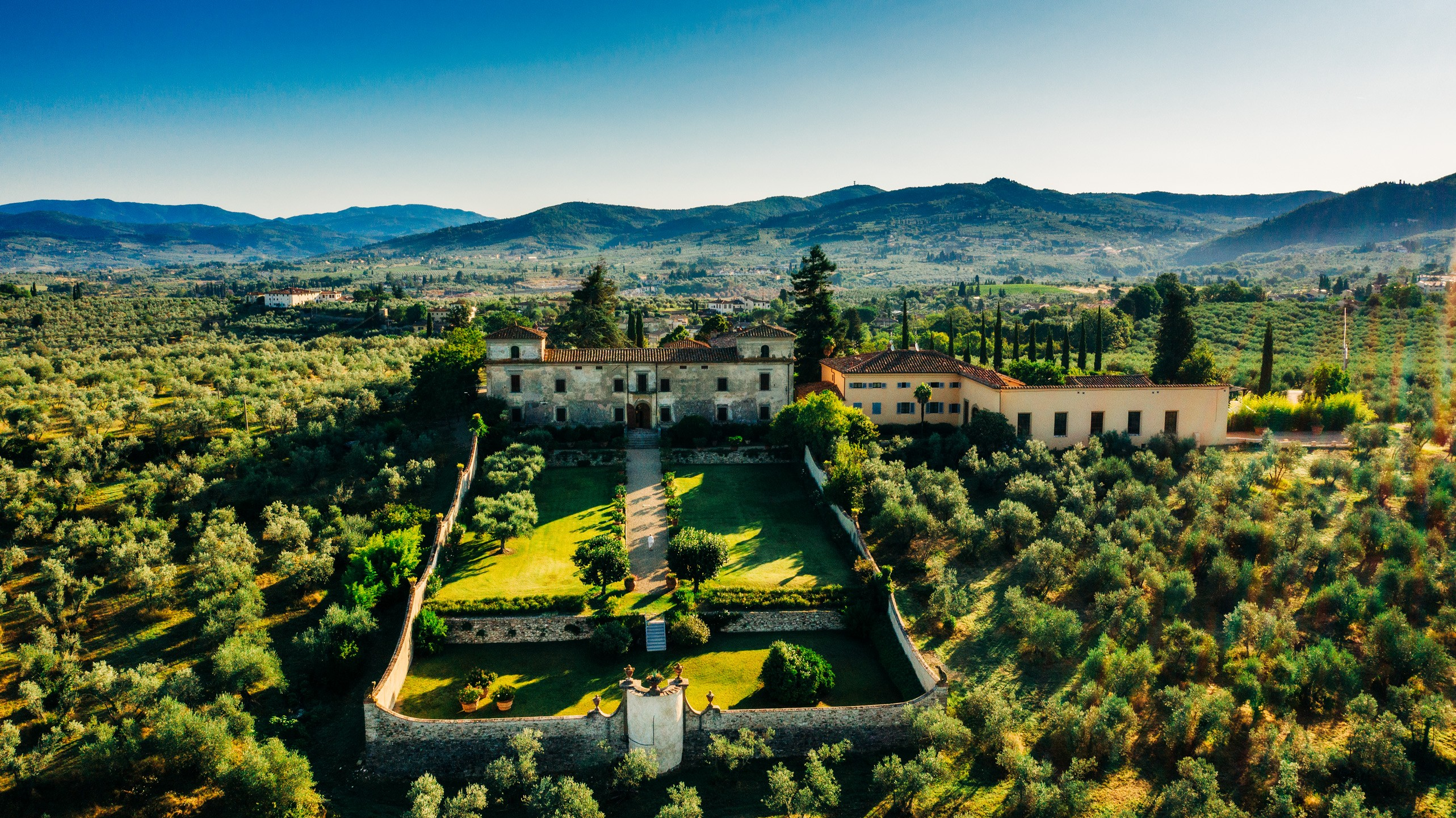 best destination wedding photographer tuscany